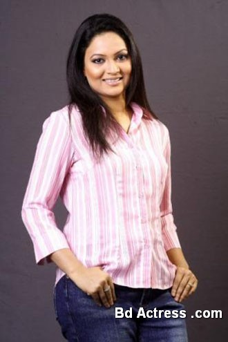 Bangladeshi Actress Richi Solaiman-23