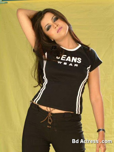 Pakistani Actress Maria Wasti Photo-02