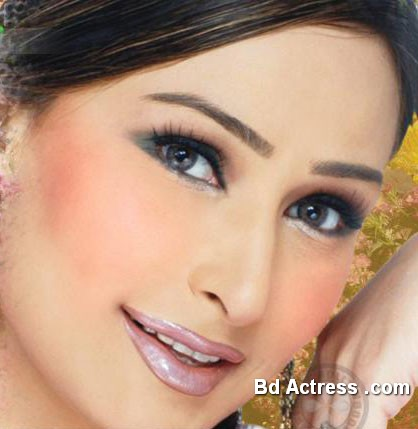 Pakistani Actress Reema Khan Photo-05