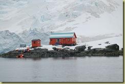 Almirante Brown Station (1)