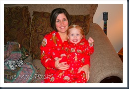 Savannah & Mommy in Christmas PJ's (2)