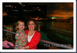Savannah & Mommy at Ripley's Aquarium