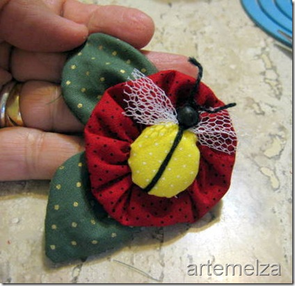 artemelza - abelha de botão