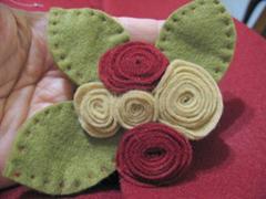 artemelza - rosa de feltro