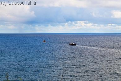 Une fois pleine, la barge est vidangée au large...