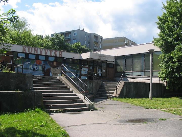 A József Attila Könyvtár épülete