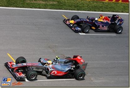 Lewis Hamilton (GBR) McLaren MP4/25 and Sebastian Vettel (GER) Red Bull Racing RB6 at the start of the race.  Formula One World Championship, Rd 8, Canadian Grand Prix, Race, Montreal, Canada, Sunday 13 June 2010.