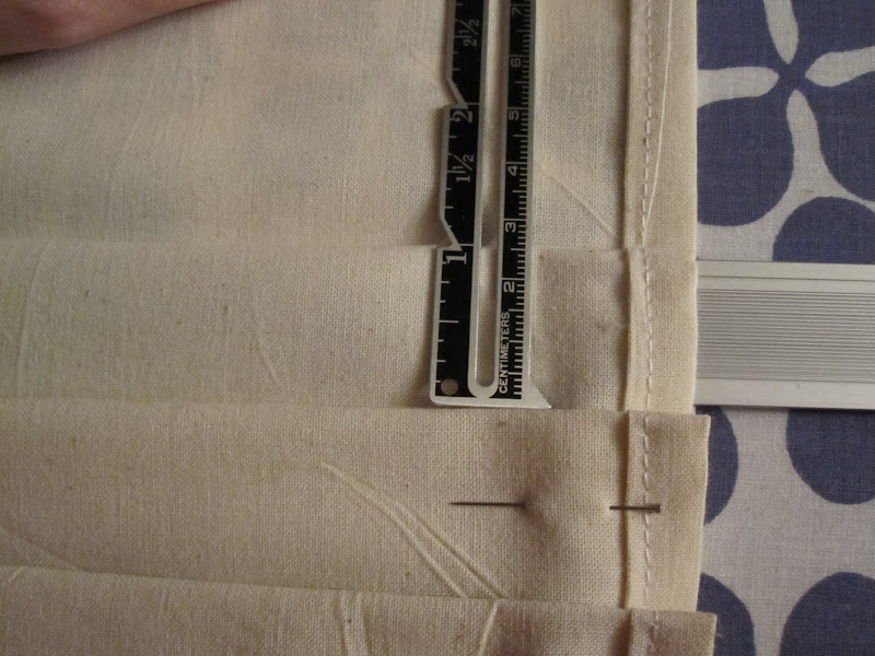 "Measuring 1"" pleats"