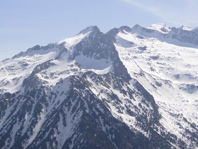 pico de alba y cresta de los 15 gendarmes