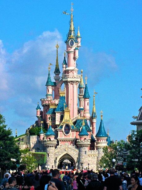 قلعة الجمال النائم, فرنسا