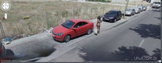 prostitutes_on_google_street_view_10_thumb