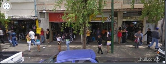 prostitutes_on_google_street_view_11_thumb