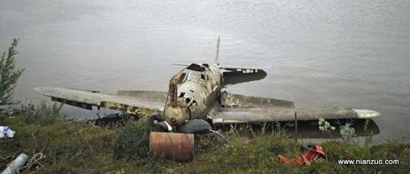 二战战斗机 被打捞出来的画面