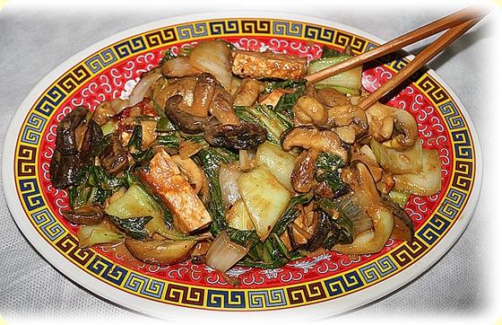 Tofu sienet ja pak choi