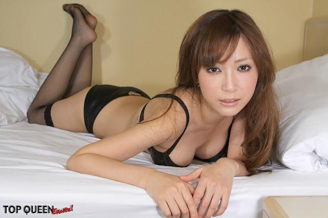 TopQueenEX Mayu Oya.jpg
