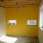 Gul væg i køkken, blir spændende at se med hele køkkenet sat op!