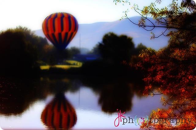 weblogo balloon