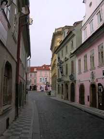 038 - Una calle de Praga.JPG