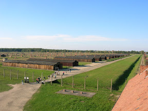 171 - Auschwitz II - Birkenau, desde la torre de la entrada.JPG