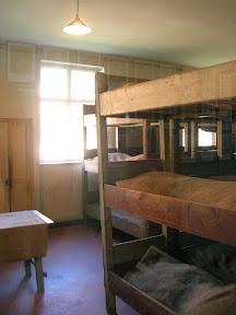 120 - Auschwitz I, interior de un barracón.JPG