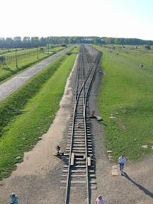 169 - Auschwitz II - Birkenau, desde la torre de la entrada.JPG