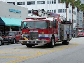 005 - Camión de bomberos.JPG