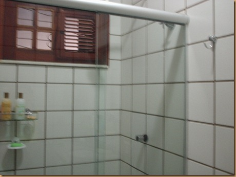 banheiro suite casal com brindex
