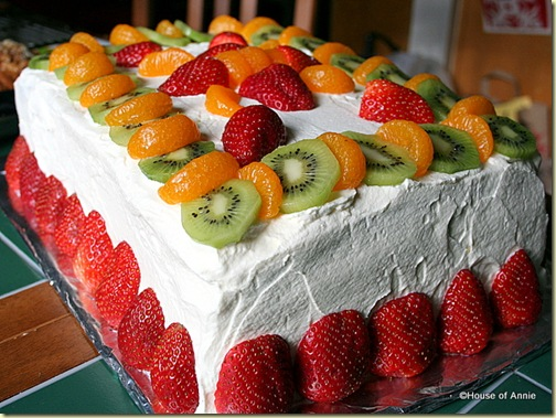 Vanilla Butter Layer Cake with Fruit from House of Annie