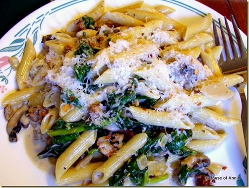 Penne with Sausage, Spinach and Mushrooms