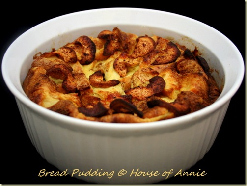 bread pudding baked with apples