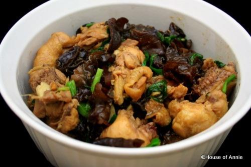 [Chicken with Black Fungus[2].jpg]