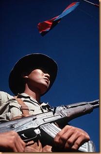 220px-Viet_Cong_soldier_DD-ST-99-04298