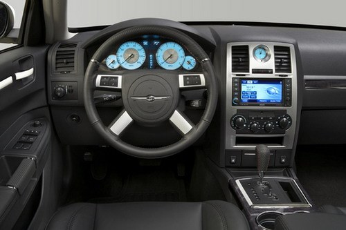 Interior new Chrysler 300 S8