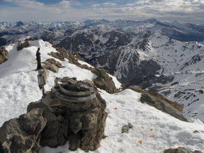 Hiru Erregeen Mahaia(2.428 m.)