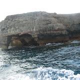 Ausspühlungen an der Steilküste von Formentera