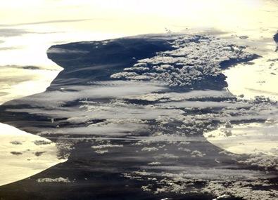 Sul da Itália fotografado por astronautas na ISS no dia 03/12/2009 (Foto: NASA)