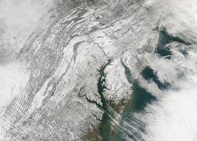Fotografia mostra Nova York Nova Persey e Pensilvânia após nevasca (Foto: NASA)
