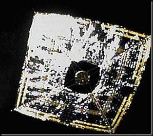 Ikaros com painéis abertos (Foto: JAXA)