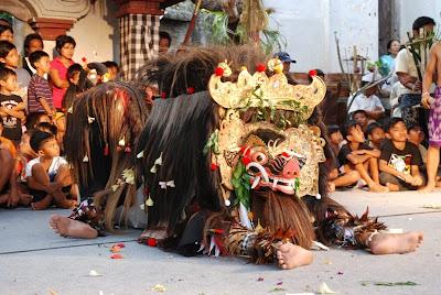 barong bangkung - festival kaswari