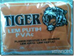 lem putih PVAc (merk tidak dimaksudkan untuk promosi)