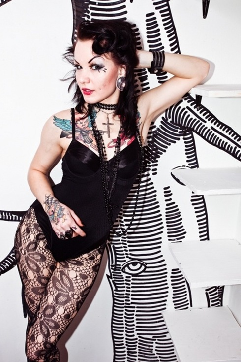 Alice_Terroraz_beautiful tattooed women