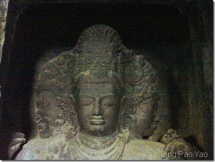 象島石窟三面濕婆像