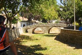 puente románico en Colmenar del Arroyo