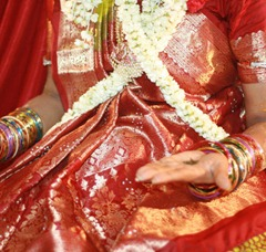 bride and bangles at an Indian wedding