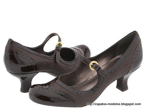 Zapatos modelos:IE809963