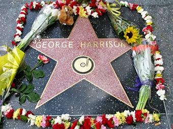Elvis cantando una de George Harrison