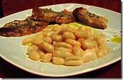 Braciole di maiale con fagioli