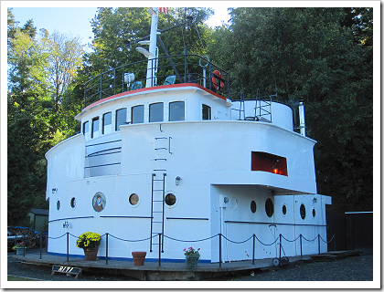 Point No Point: tug boat house