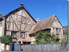 2010.08.20-018 maisons à pans de bois