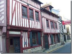 2008.10.10-019 maison d'Erik Satie